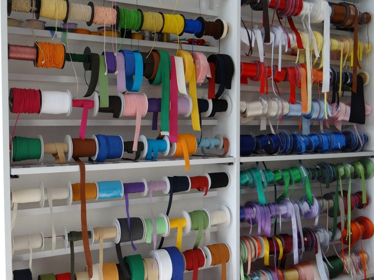Merceria e accessori scampoli e tessuti tessuti raponi for Scampoli tessuti arredamento milano
